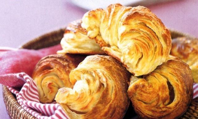 طريقة عمل كرواسون وباتيه بالجبنة Recipe Ham And Cheese Croissant Ham And Cheese Recipes