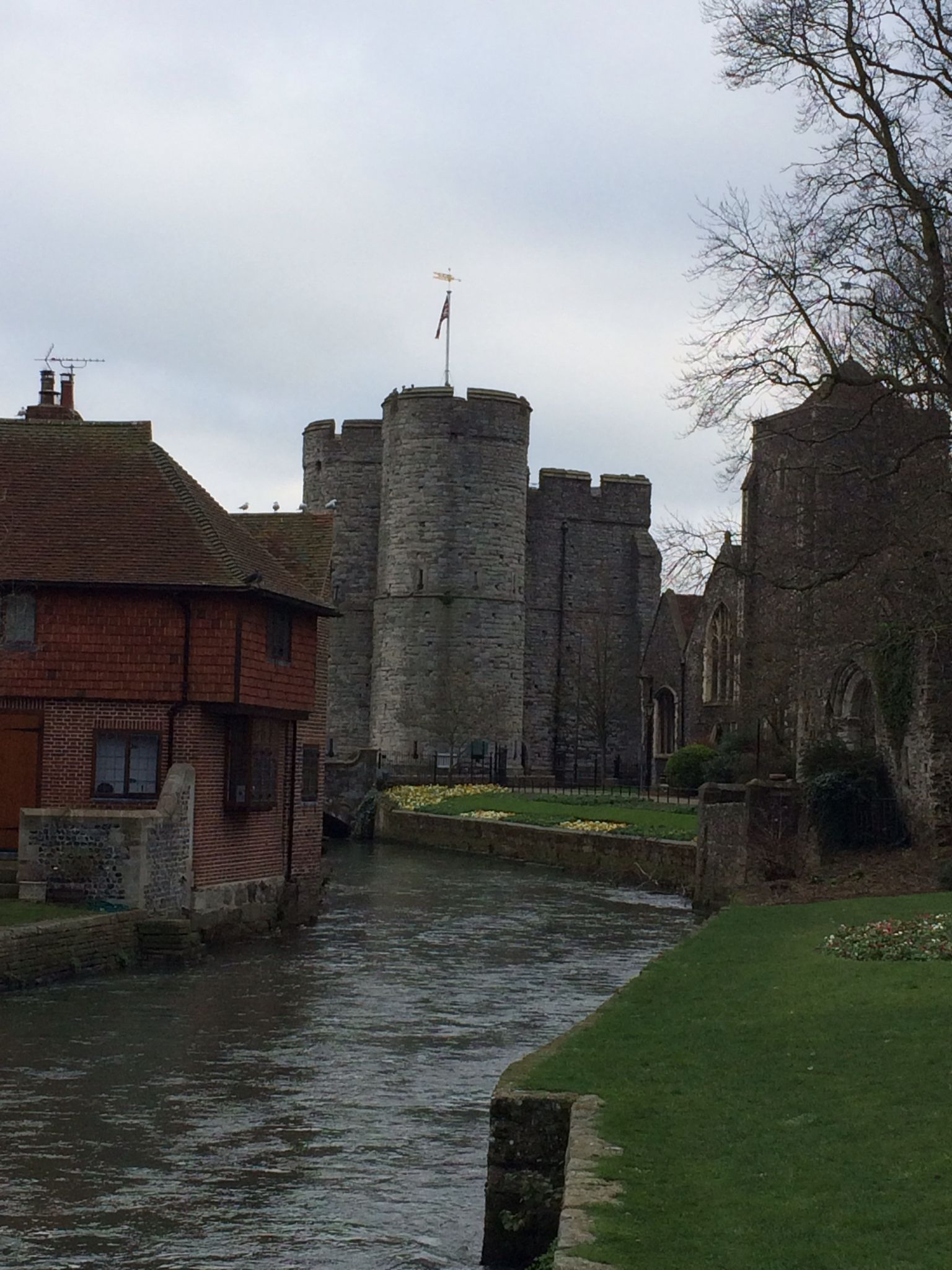 west gate entrance to the walled city of canterbury west on walled id=15322