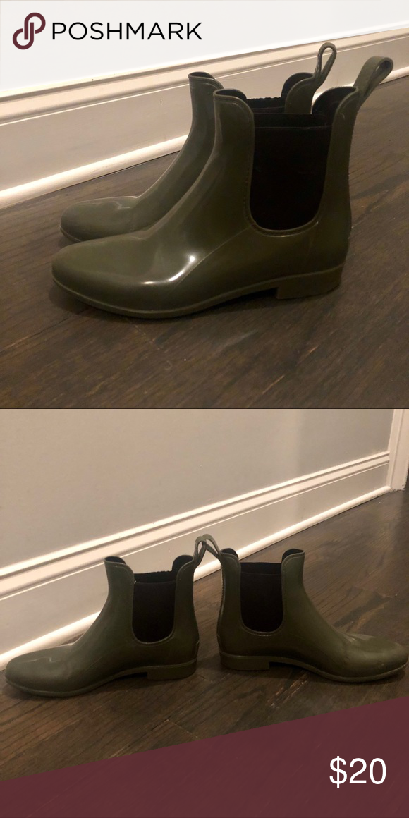 f10fa49d59bc7 Chelsea Rain Boot Jcrew Chelsea Rain boot in Safari J. Crew Shoes Winter & Rain  Boots