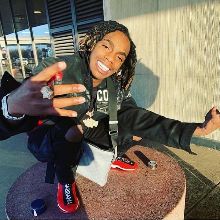 Pin By Nevaeh Morgan On ᗰᗩᑎ ᑕᖇᑌᔕᕼᗴᔕ Cute Rappers Man Crush Everyday Rap Music Hip Hop