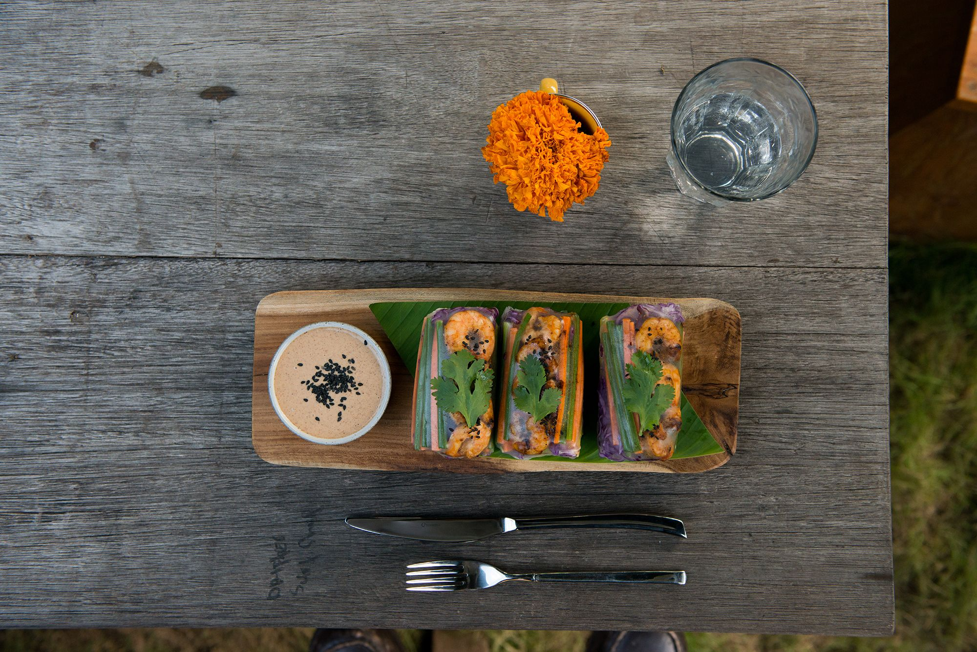 We visited DRIFTER CAFÉ for our afternoon caffeine fix and sampled their deliciously decadent + healthy dishes, served up on Jenggala-ware