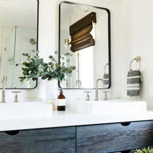This project has some of my favorite cabinet details... the drawers in the master #bathroom are so so good! Happy Friday ❤️. ������ @hallialdous . . . . . . . #myonepiece #loveyourhabitat #howyouhome #greigestyle #lifelivedbeautifully #darlingmoment #ckstyleaccordingly #finditstyleit #smmakelifebeautiful #flashesofdelight #sharemysquare #mybeautifulmess #theartofslowliving #gatheredstyle #posttheordinary #showmeyourstyled #howwedwell #interiorinspo #theeverygir