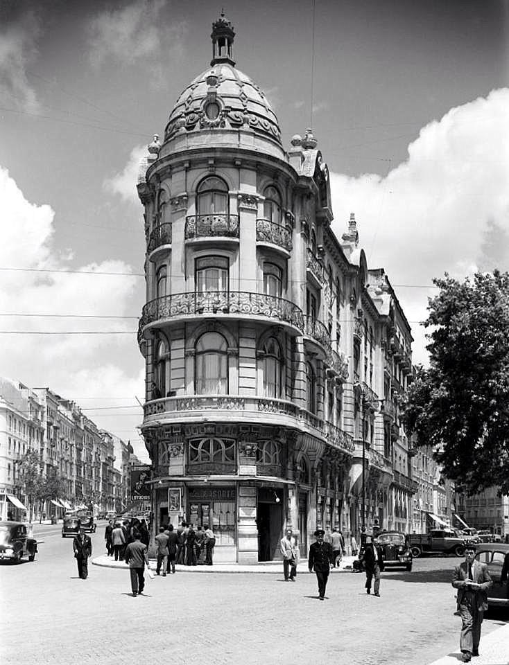 Avenida Almirante Reis, 2-2K; Largo do Intendente, 1-6[c. 1930] Antiga Avenida D. Amélia antes Avenida dos Anjos Prémio Valmor de 1908 Fotógrafo não identificado