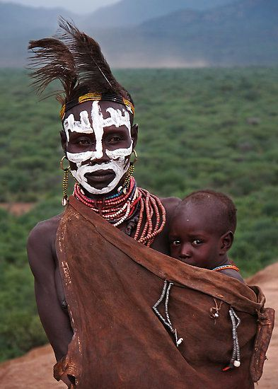 #ethiopia #sheridan #michael #africa #mother #valley #child #karo #and #omoAfrica |  Karo mother and child, Omo Valley, Ethiopia |  © Michael Sheridan
