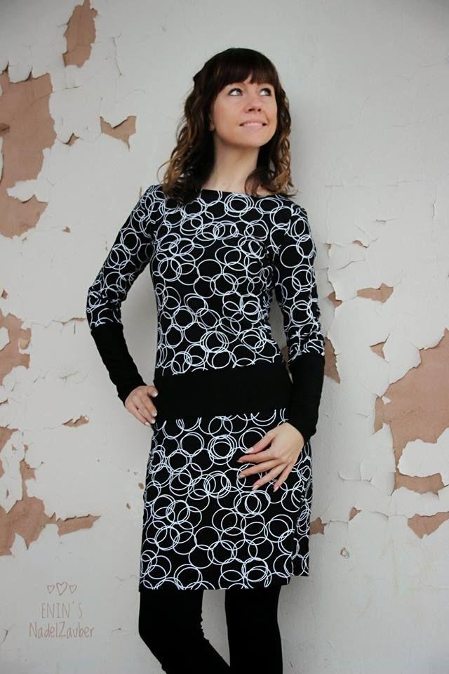 schwarz-weißes Jerseykleid mit schwarzem Bündchen, Schnitt: ADELE ...