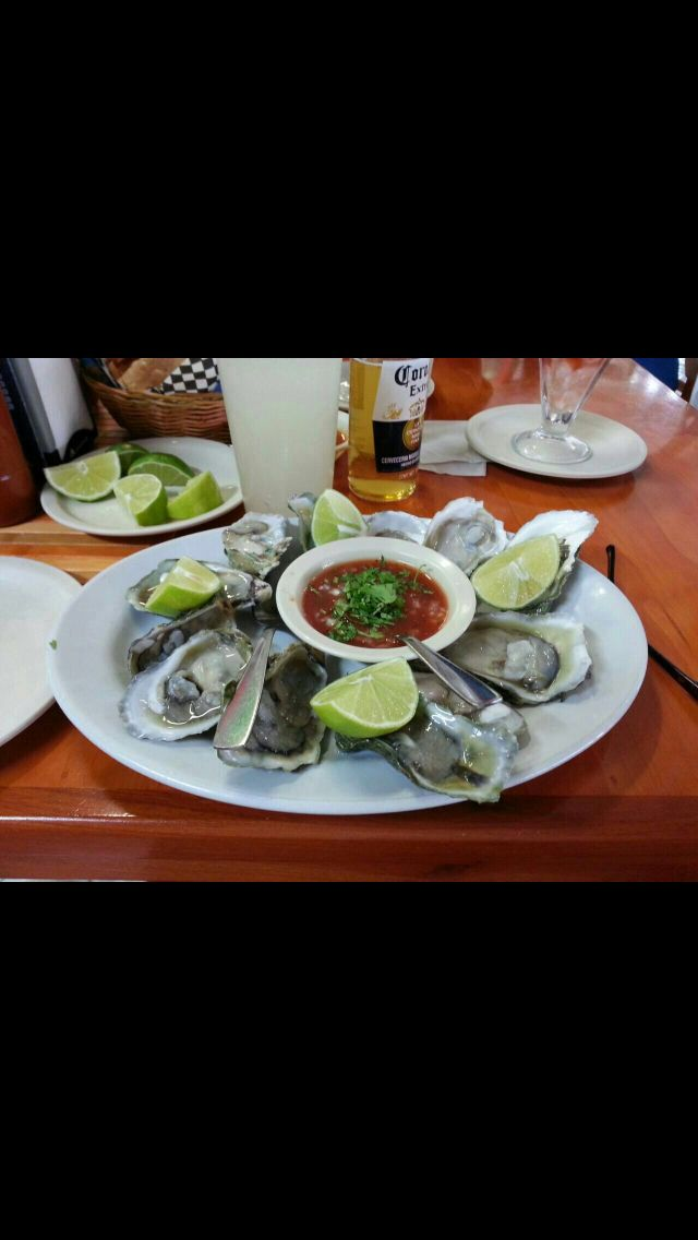 Oysters On The Half Shell At Mambos Seafood Restaurant Houston And Mcallen Tx