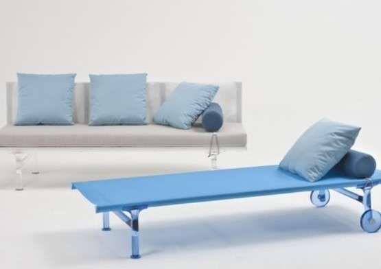 Arredamento Mare ~ Arredamento casa al mare divano e letto di kartell