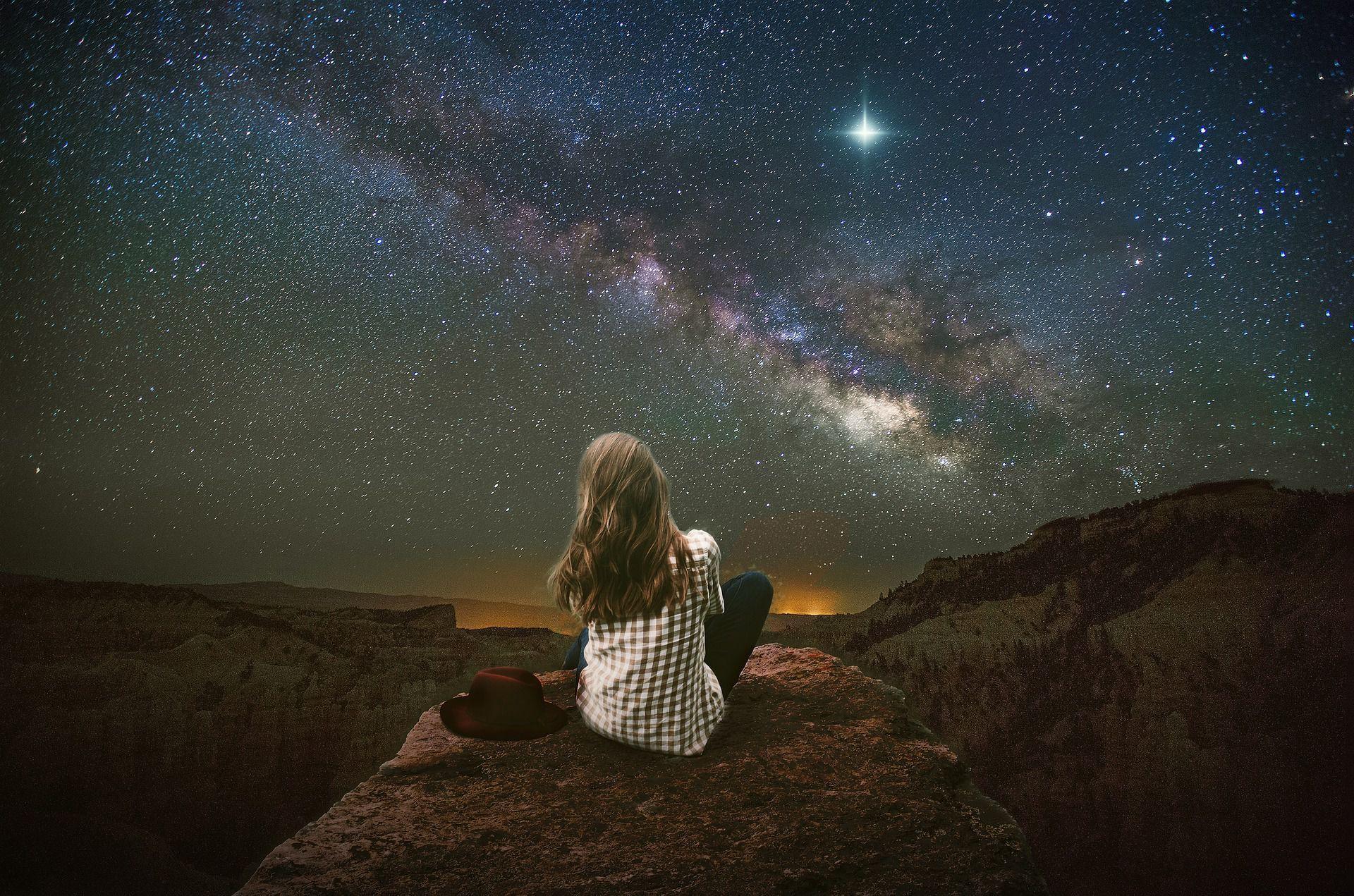 Nuit Des Etoiles 2019 Ou Et Quand Observer Les Etoiles Filantes Dans La Region Nuits Etoilees Nuit Etoile Filante Etoile Filante