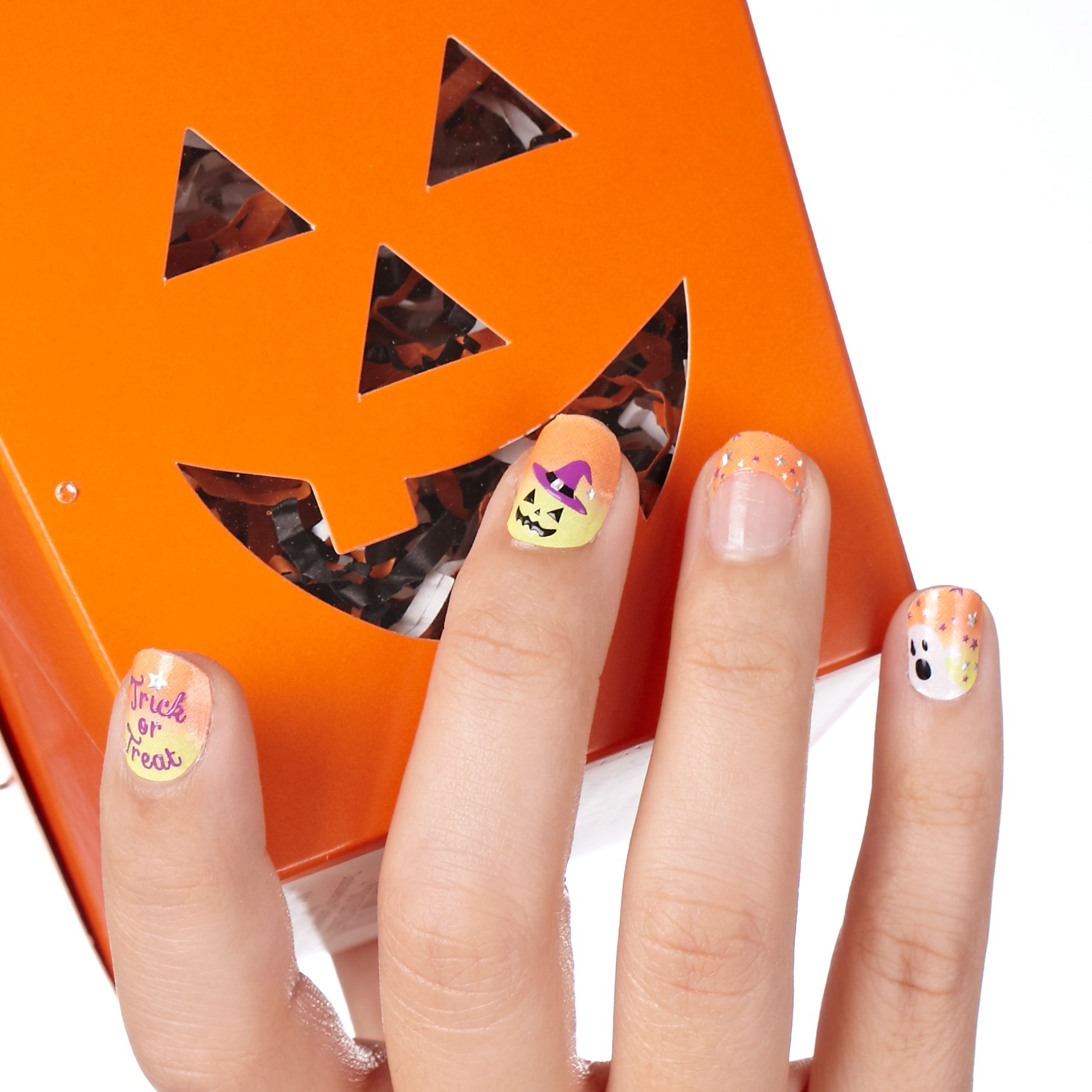 Quick and easy Kiss Nail Dress | Halloween beauty