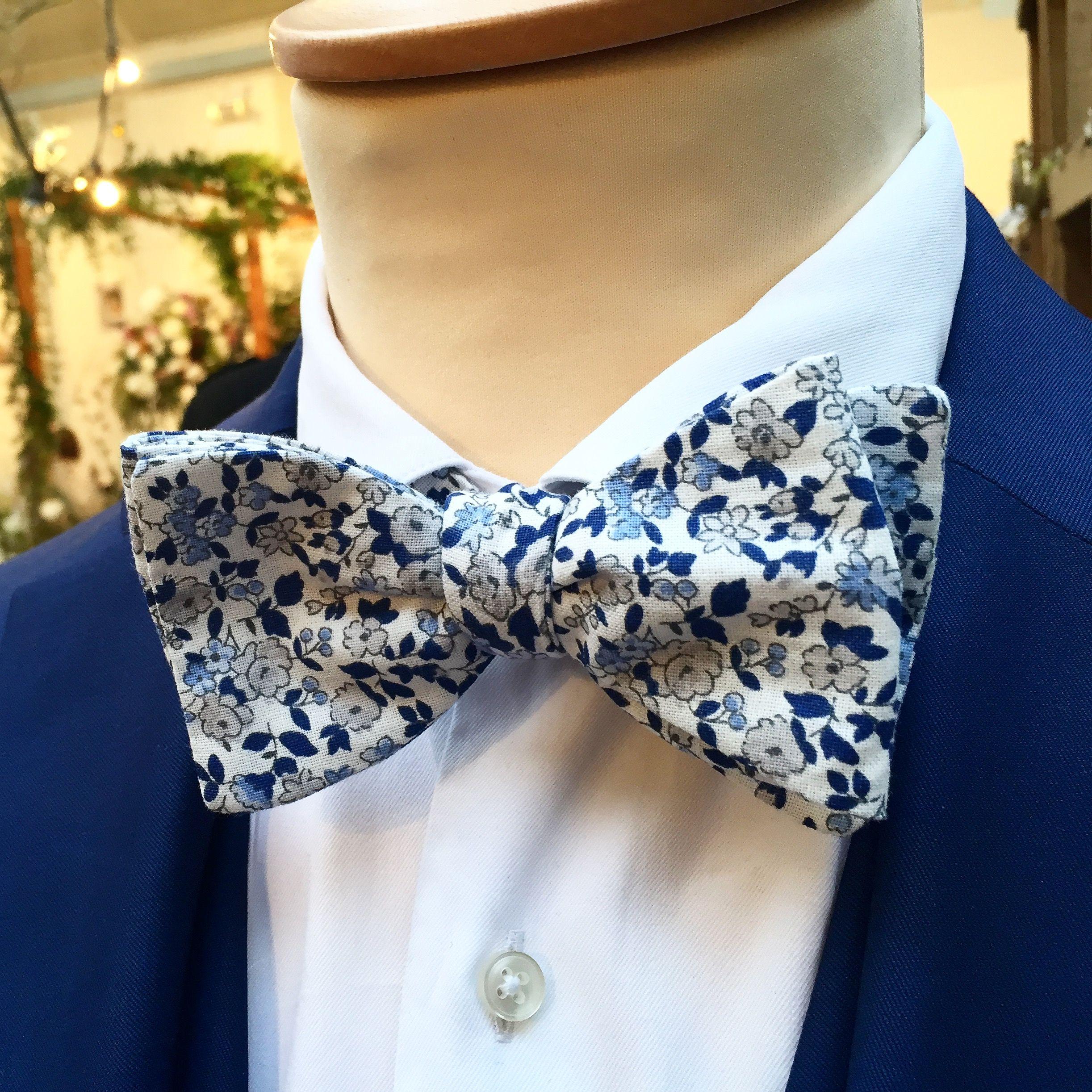 063939af7c76a Nœud papillon bleu fleuri mariage, thème nature et champètre Blue ...