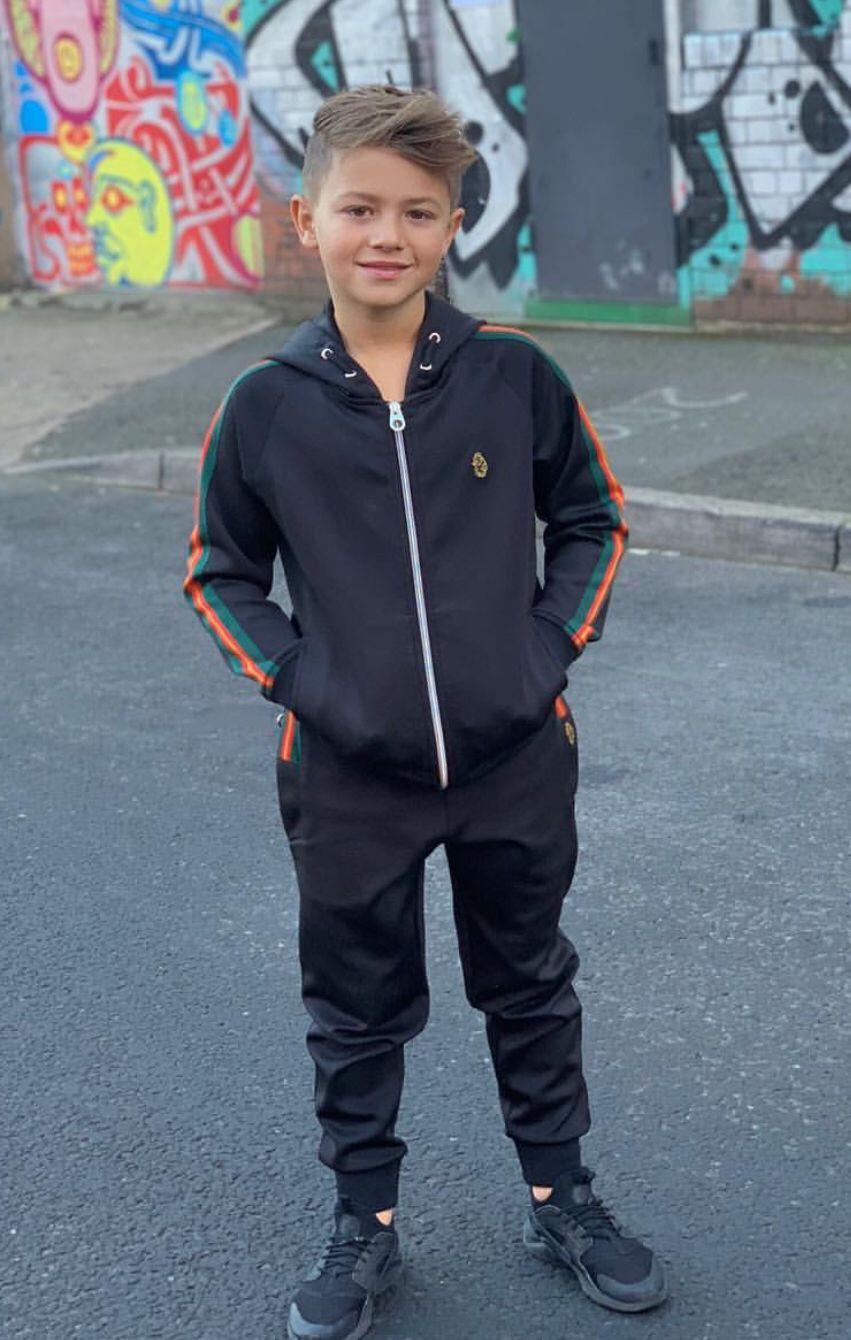 Pin Von Sweet Boys Auf Outfit Boys Jogginganzug Und Jungs