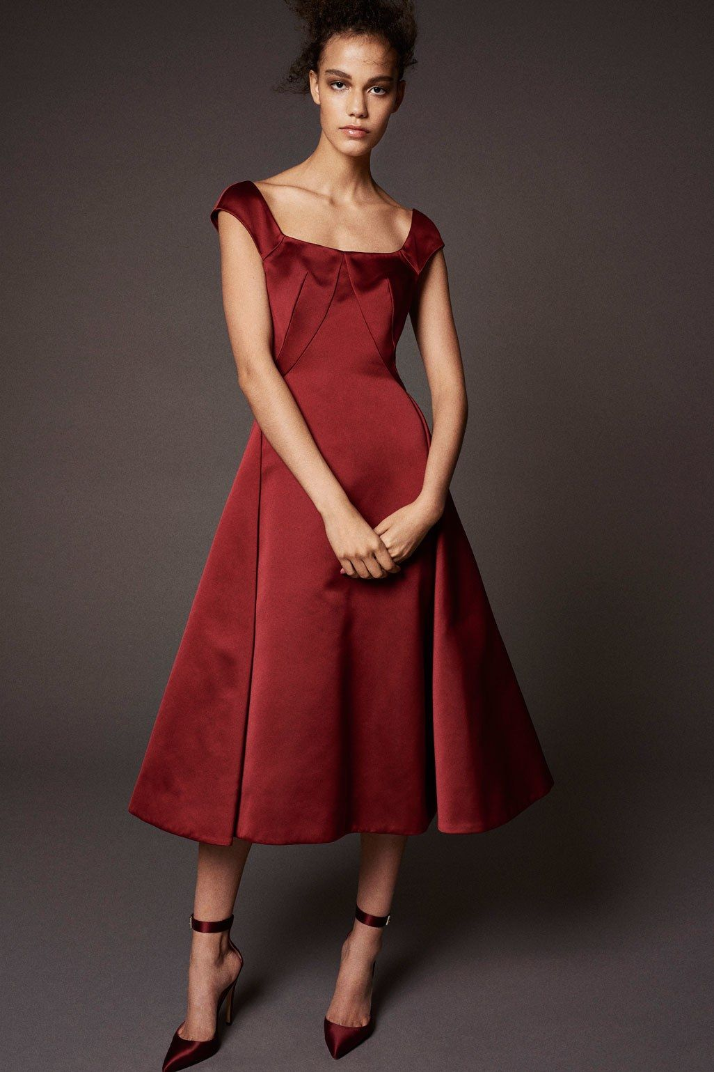 883c990b469 The complete Zac Posen Pre-Fall 2018 fashion show now on Vogue Runway.
