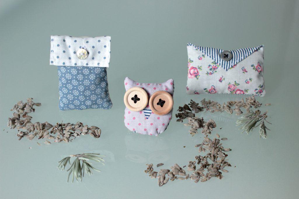 Simple DIY Dufts ckchen in verschiedenen Formen selber n hen und mit Lavendel f llen f r den Kleiderschrank oder