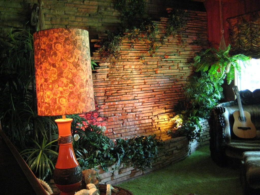 Sample Ideas For Living Room With Fountain Wall