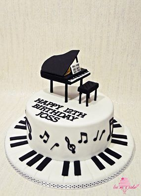 Piano cake piano cake Pinterest Piano cakes Cake and Music cakes