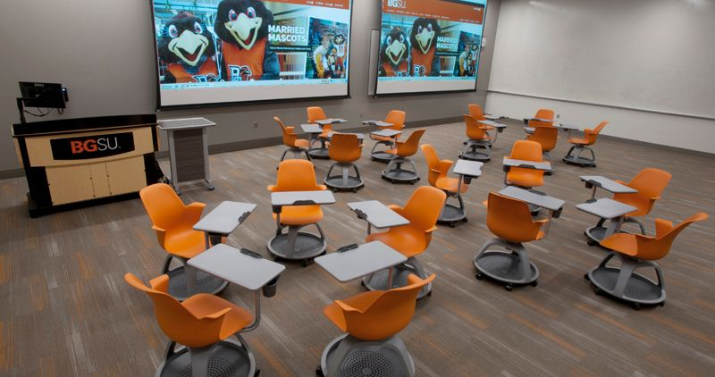 Bowling Green State University Olscamp Hall Nbs Commercial Interiors University Interior Design Classroom Interior Lounge Design