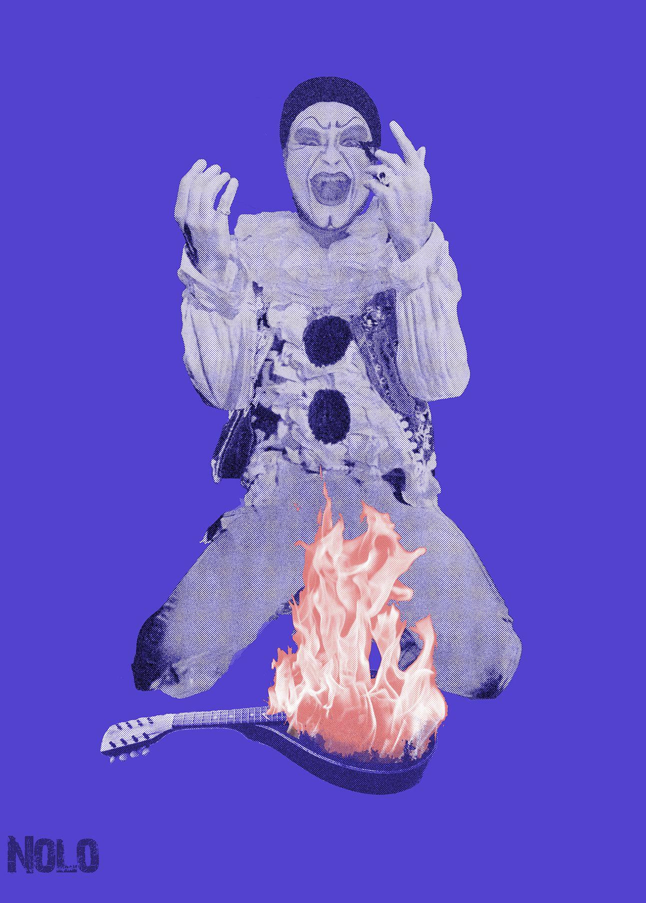Pierrot se revela y prende fuego su mandolina.