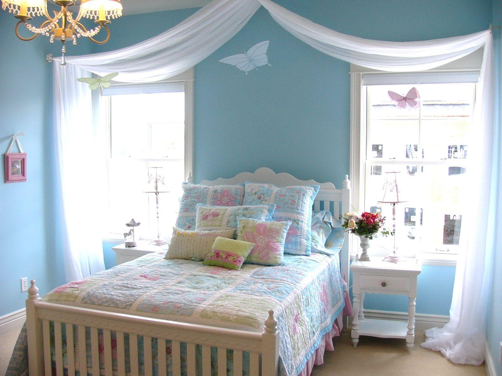 I Love The Sheer Fabric Draped Across The Room &