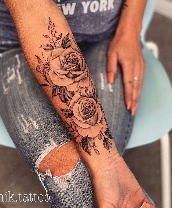 Kennzeichnen Sie jemanden, der Tattoos liebt.  Beauty Schmuck und Kleidung #flowertattoos – f…