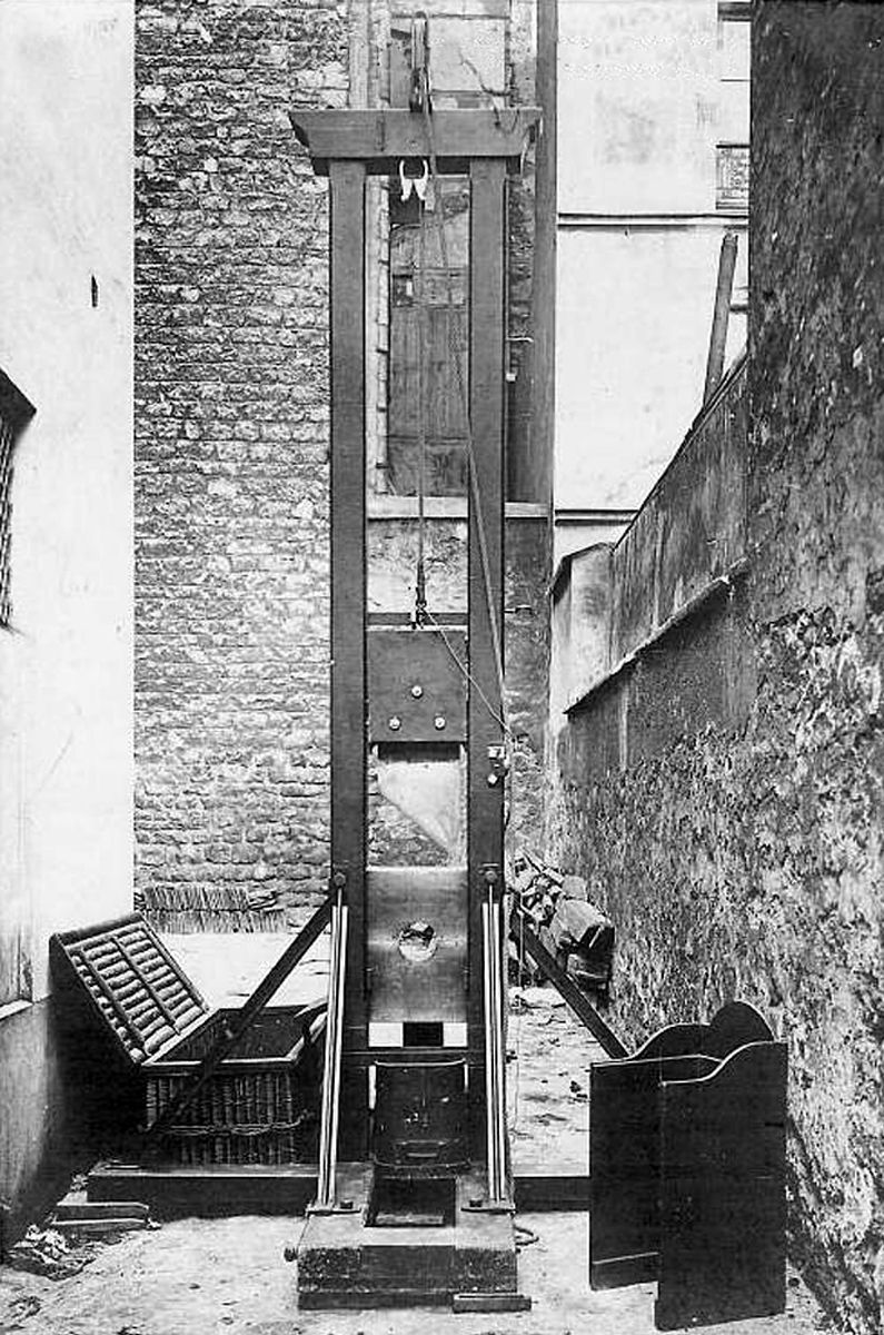 Real Guillotine Execution Guillotine 1907 | Guillotine ...