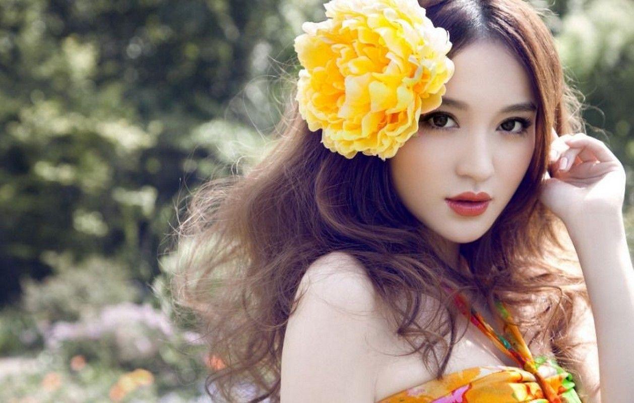 heidy model  nude flowers in hair   Heidy Model Sets
