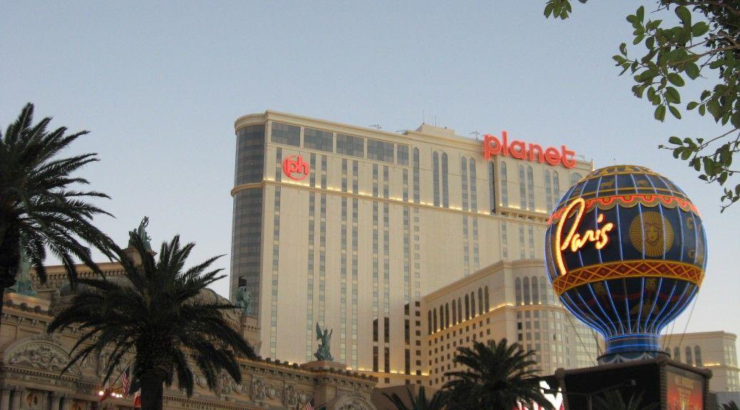 Las Vegas as part of It's an American Thing #travel #writing #life #blogging #American #LasVegas #Paris #PlanetHollywood