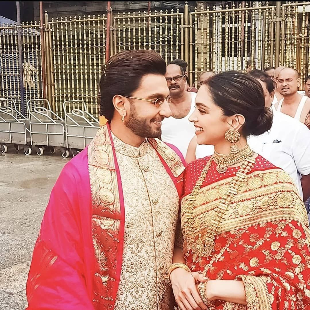 Deepika Padukone And Ranveer Singh Look Smitten In Love As They Seek Blessings At Tirup Indian Wedding Couple Photography Ranveer Singh Priyanka Chopra Wedding