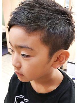 キッズヘアスタイル ツーブロック 子供 髪型 男の子 短髪 ソフト