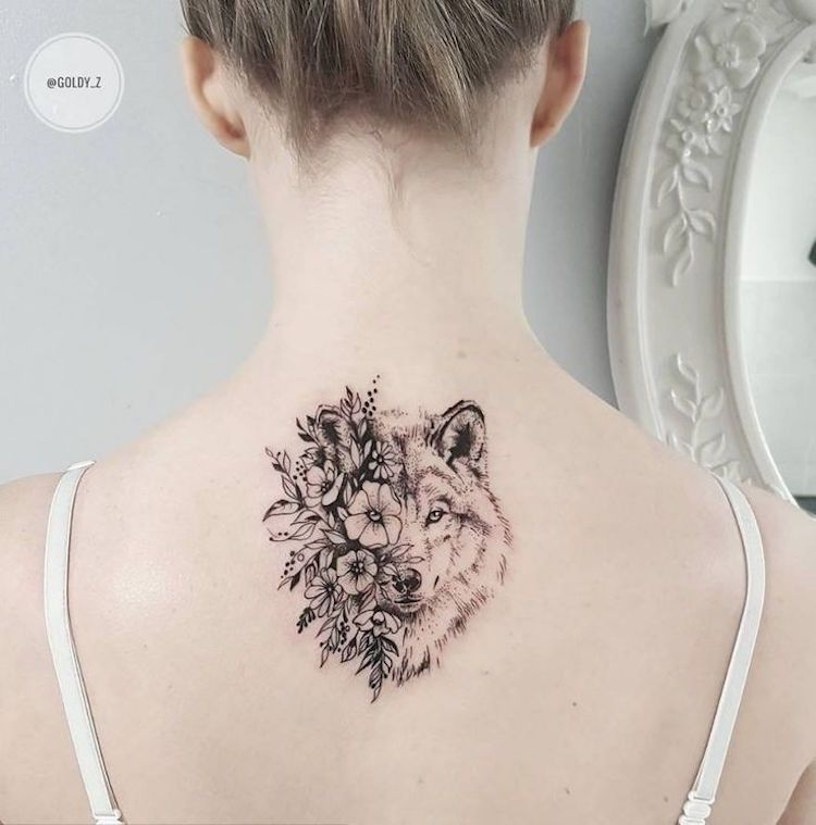 Tatouage Loup Femme Tete Loup Fleurs Tatouage Dos Tatoo