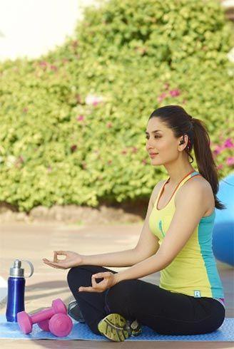Celebrities Who Do Yoga Welcoming The Fountain Of Youth Kareena Kapoor Bollywood Girls Bollywood Heroine