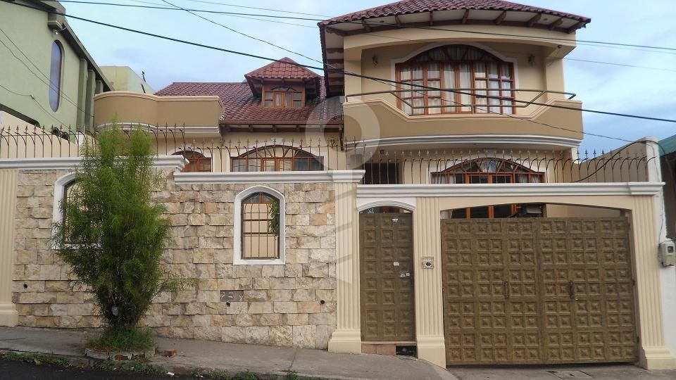 Fachadas de casas con cerramientos buscar con google - Cerramientos casas ...