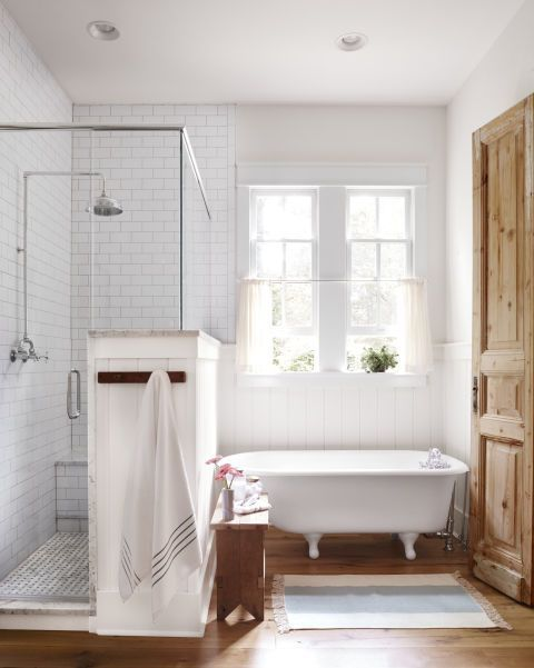 Beautiful Modern Farmhouse Style Bathroom With Vintage Clawfoot Tub, Knotty  Pine Door And Inspiration On
