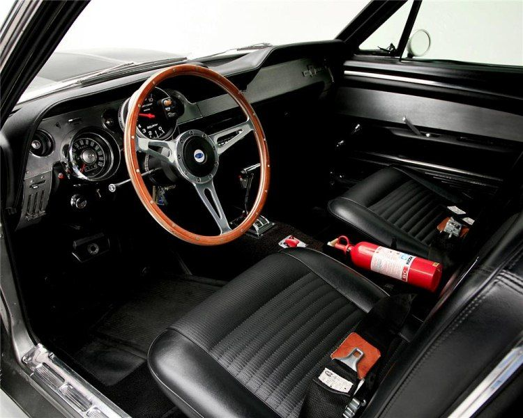 ford mustang 1967 interior