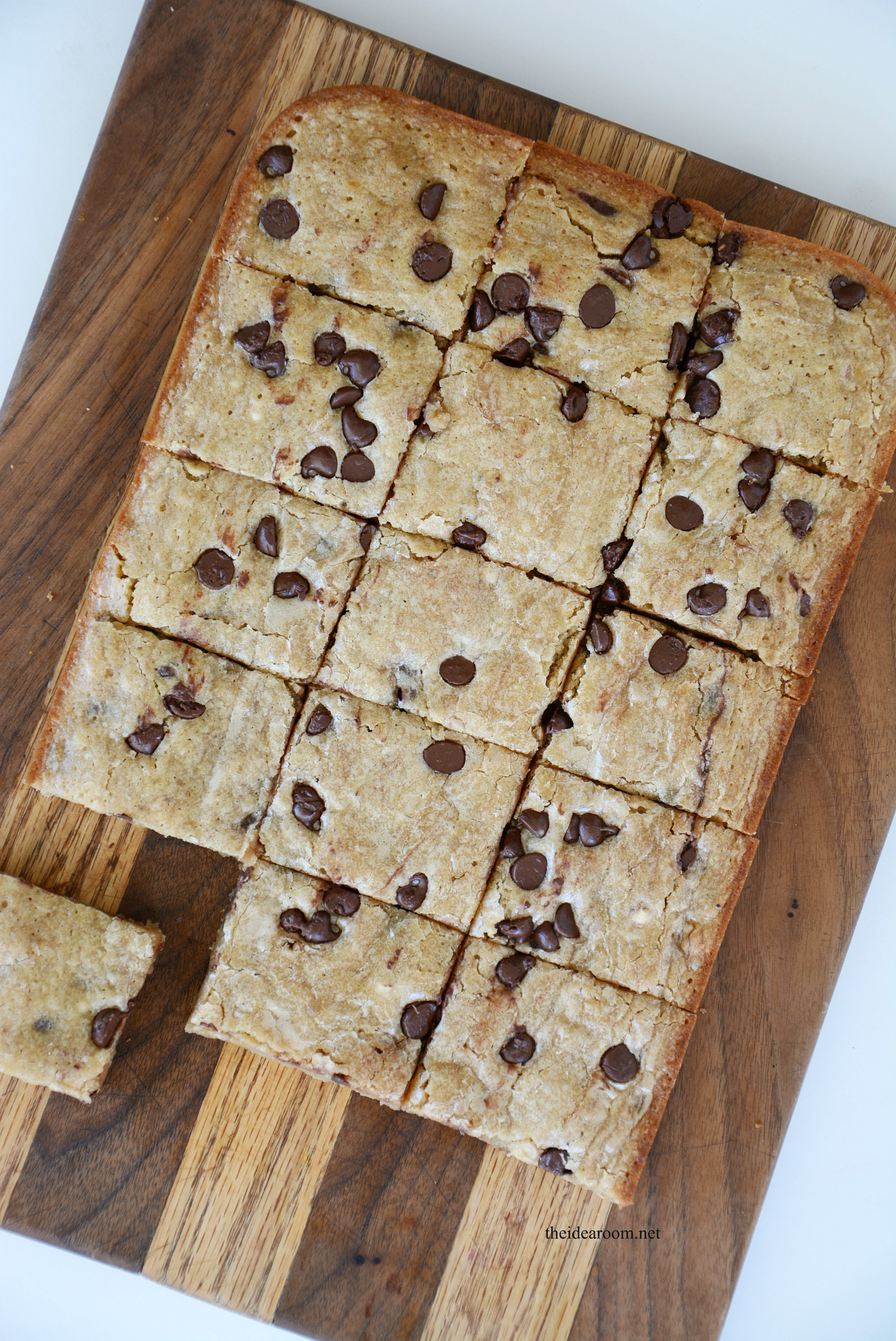 Chocolate Chip Banana Blondies