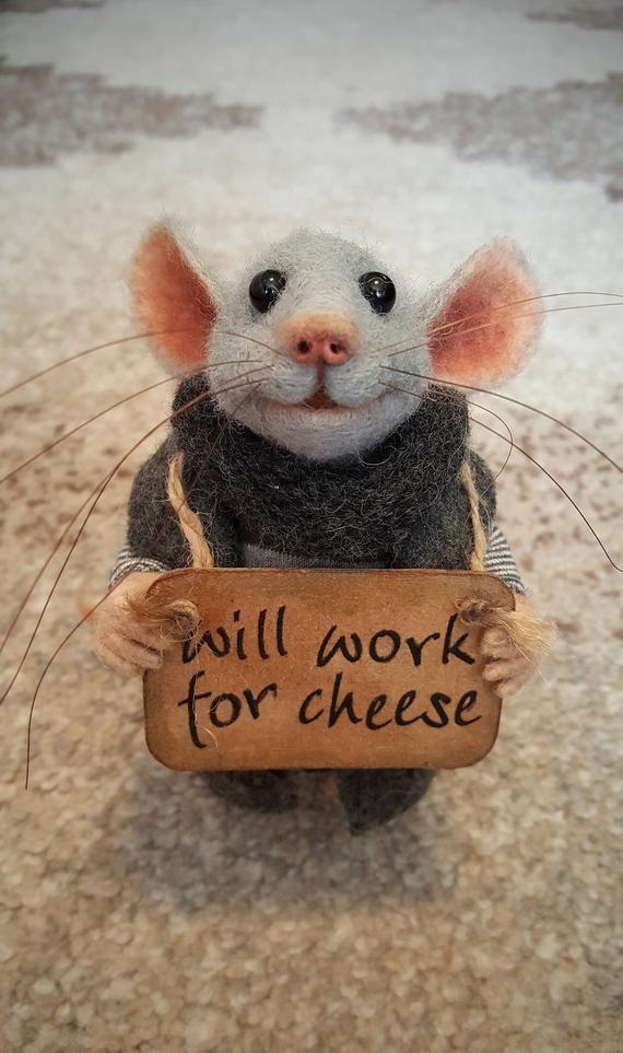 Obdachlose Maus, Sammlerstück Puppe, gefilzt Maus, weiche Skulptur, gefilzt Tier, niedlich Fi... #dollcare