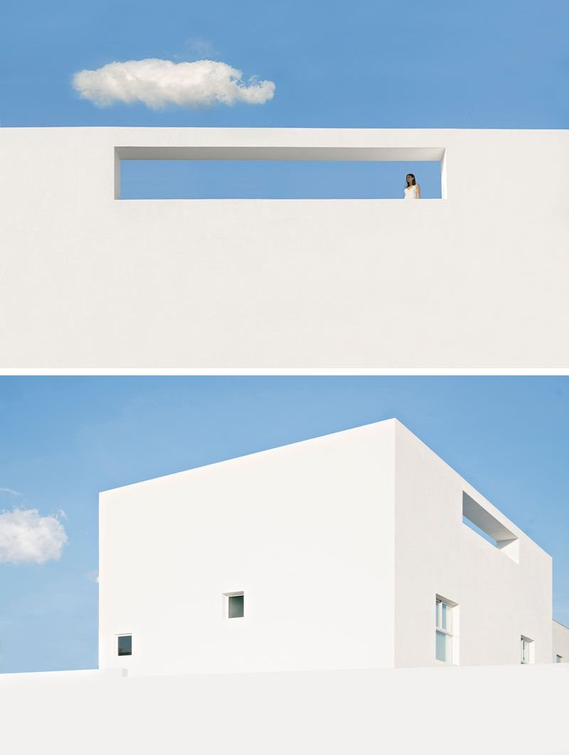 This Modern Home In Mexico Has Bright White Exterior Walls In 2020 Wall Exterior Modern House Modern Architecture Design