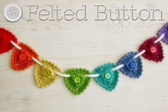 Button Bunting--free crochet pattern by Susan Carlson of Felted ...