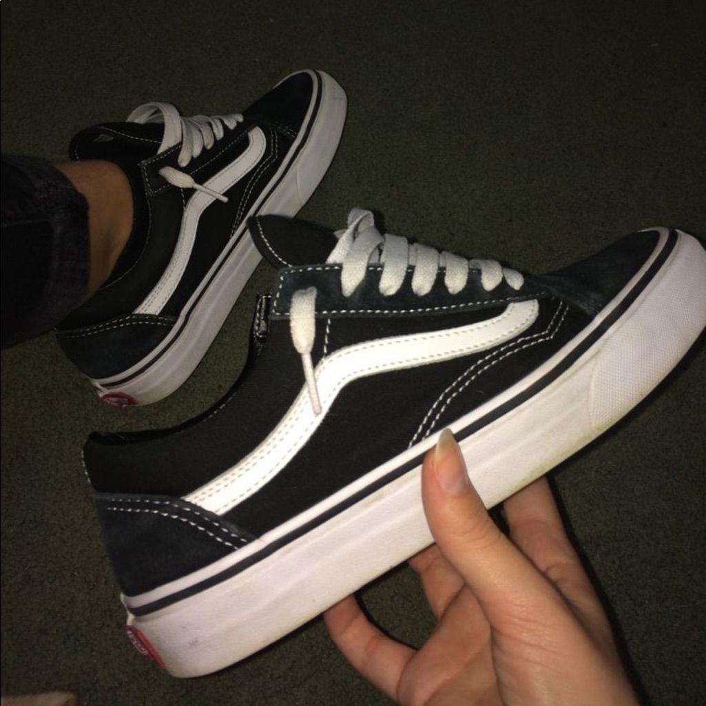 black vans size 9.5