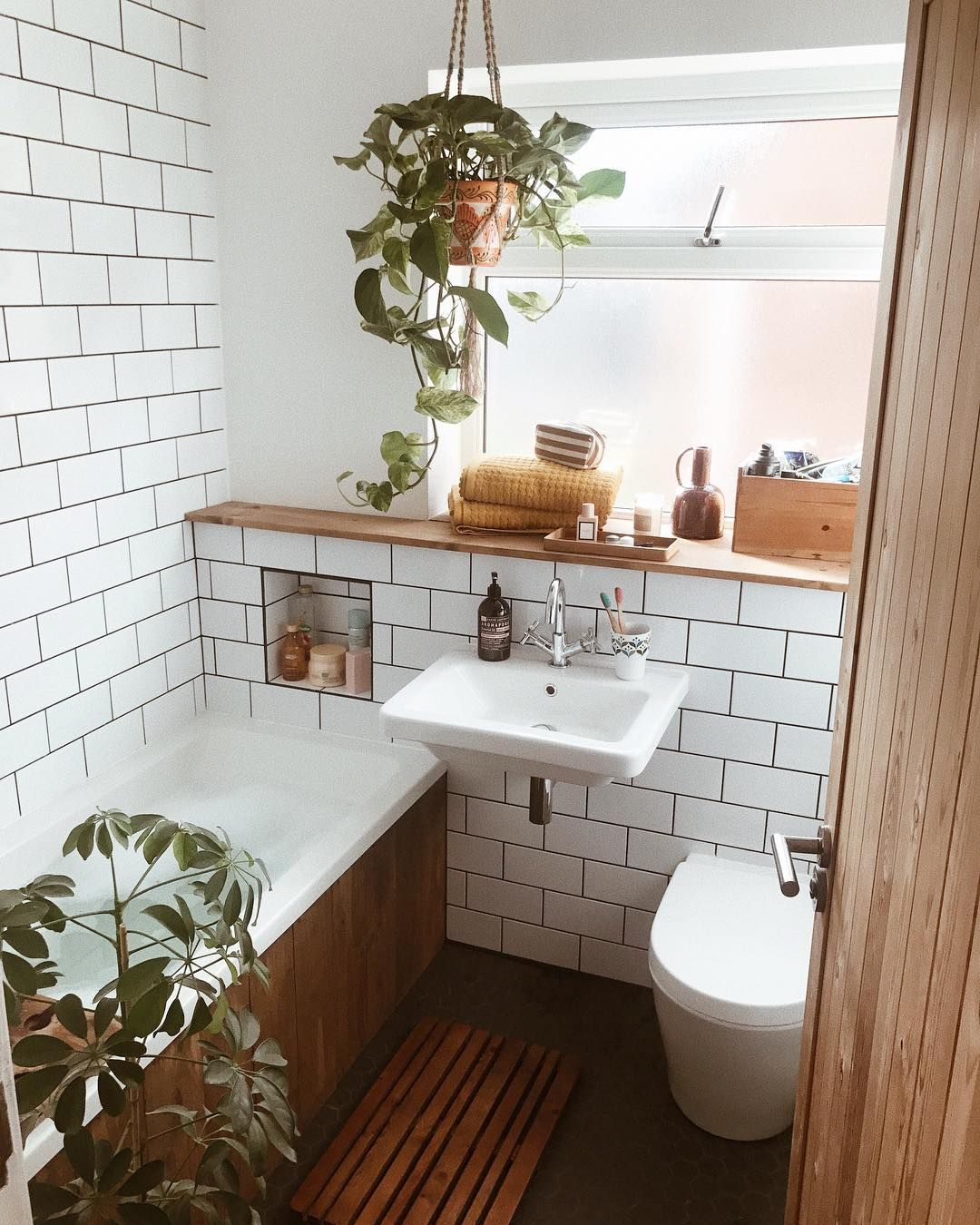 Small Bathroom Ideas Subway Tiles Houseplants Wooden Bath Panel Minimalist Small Bathrooms Wooden Bath Panel Bathroom Inspiration