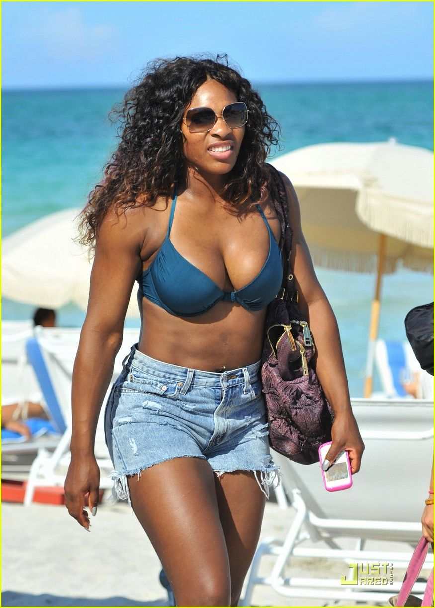 venus-and-serena-williams-bikini-gallery