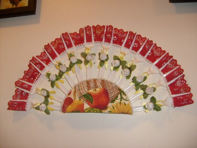 Make Your Own Fan With Plastic Forks It Reminds Me When I Did One Was Young