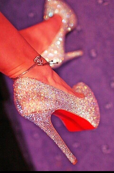 95a178f27b2 Long heel, red bottom. Diamond encrusted. | Fashion | Sparkle heels ...