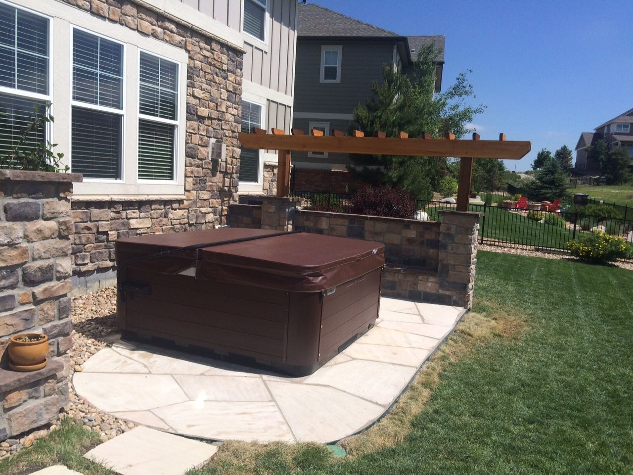1508G   Flagstone Patio With Arbor Stone Seat Wall With Back