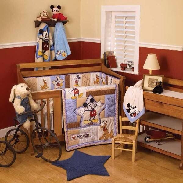 So cute Mickey Mouse room...