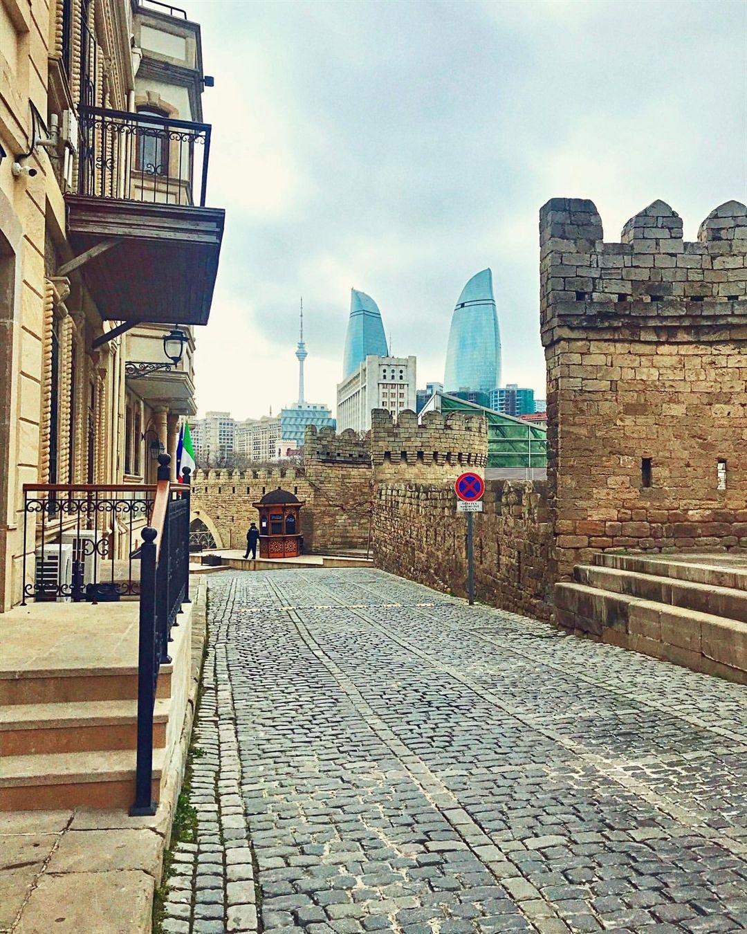 Old City Icheri Sheher Baku What A Contrast Baku Azerbaijan Visitazerbaijan Travelbaku Triptoazerbaijan Old City Baku City