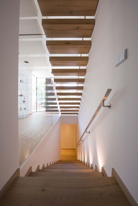 loft78.com Frei #schwebende #Holztreppe mit #Edelstahl Handlauf ...