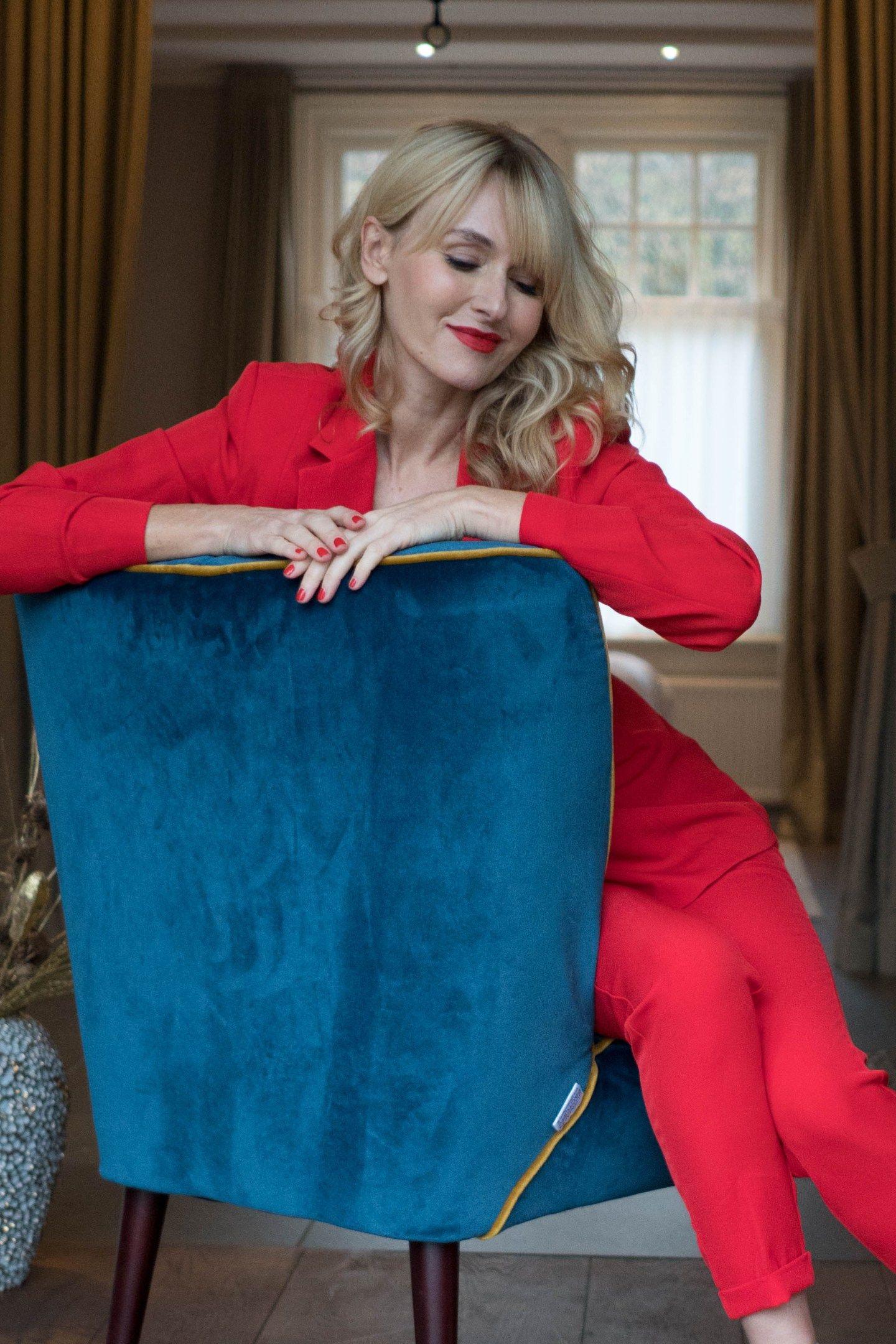 roter hosenanzug mit strass von wenz, outfit für weihnachten