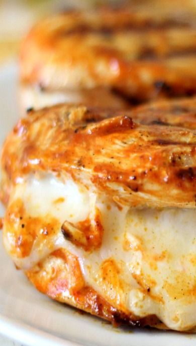 Grilled Cheesy Buffalo Chicken #grillingrecipes