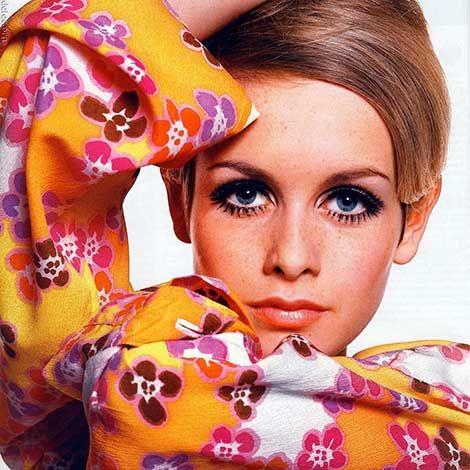 Per quanto riguarda il make-up A/I, infine, l'invito è a osare col colore! Protagonisti del look sono gli occhi: ombretti colorati, mascara nero, ciglia finte ed eyeliner non possono mancare nel nostro beauty-case. Un ottimo spunto? Il make-up alla Twiggy!
