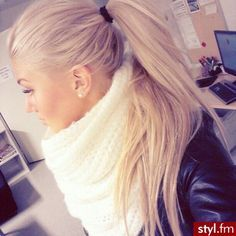 Light Beige Blonde Hair Google Search Ponytail Hairstyles Easy